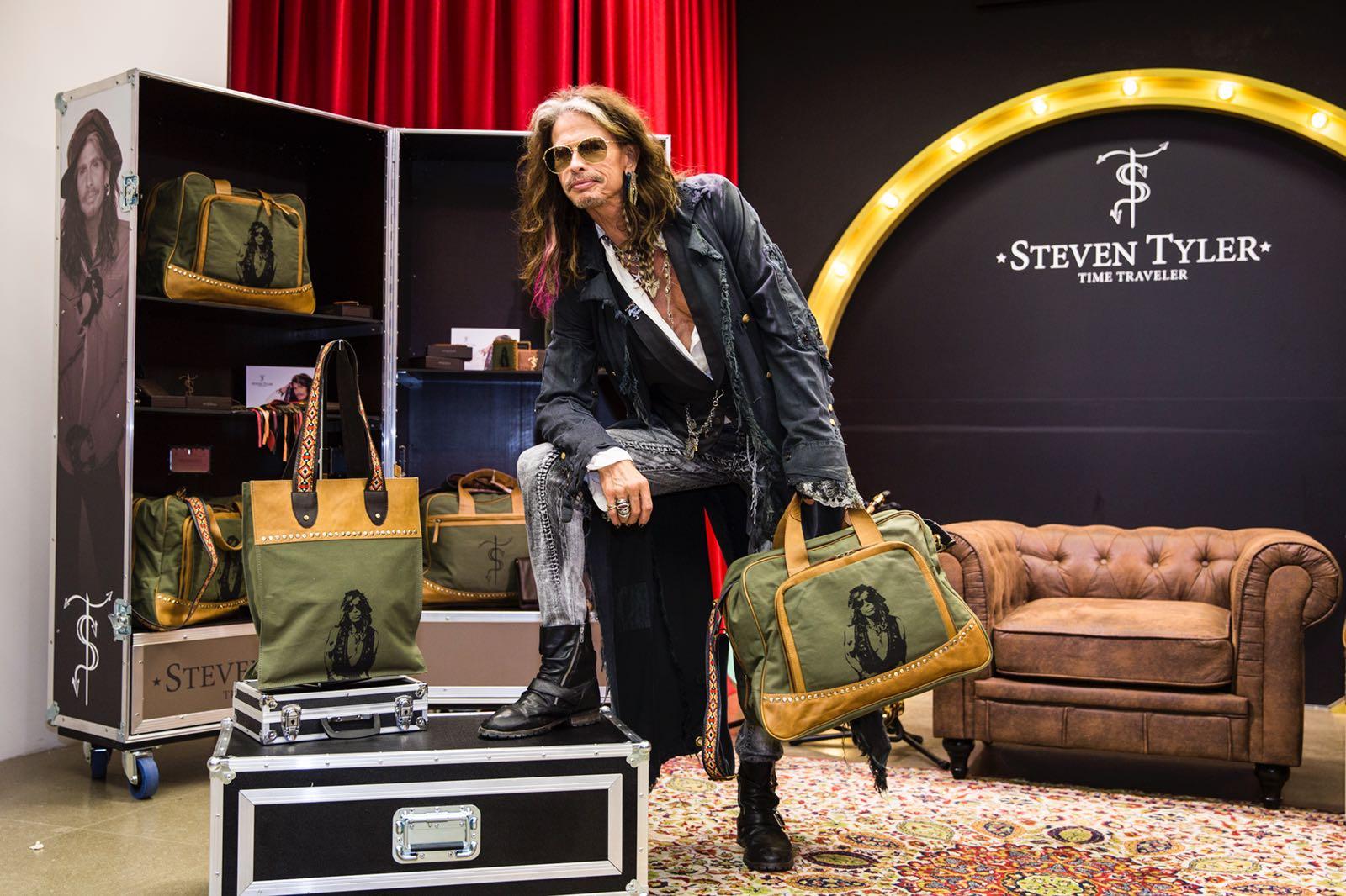 La icónica leyenda del rock Steven Tyler crea su propia marca en ... 70ef18dad00